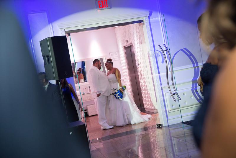 MER__0860_tonya_josh_new jerrsey wedding photography.jpg