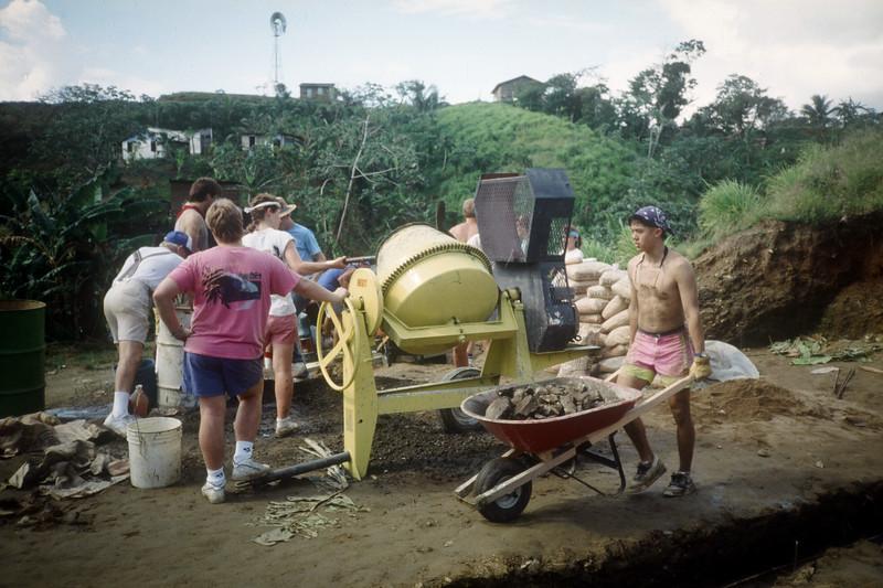 1989 Roatan Honduras Mission Trip-0024.jpg