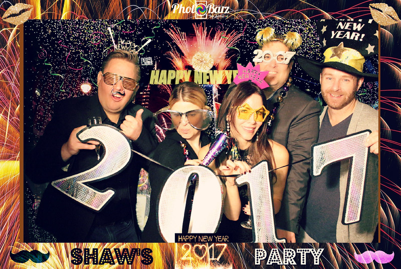 Shaws NYDay Party (67).jpg