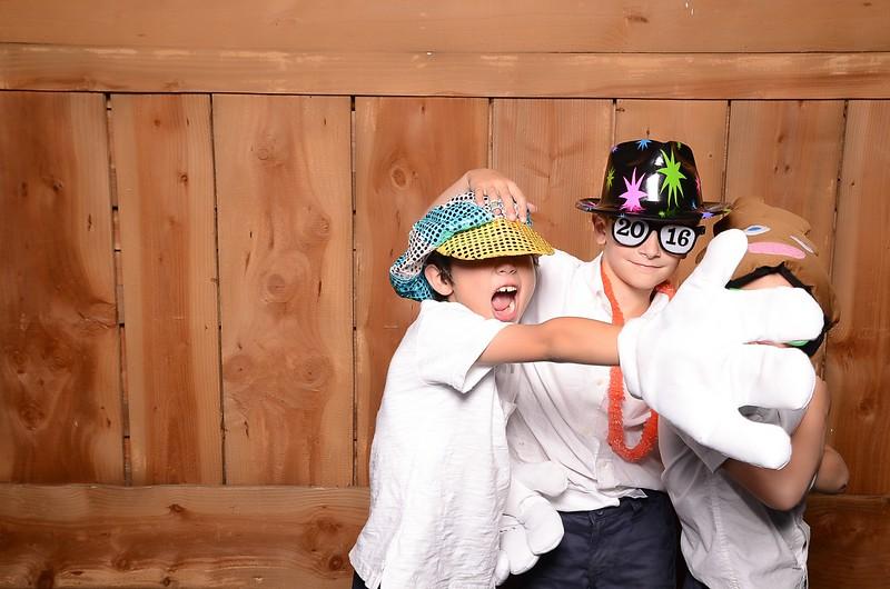 20160731_MoPoSo_Wedding_Photobooth_JeffYvonne-103.jpg