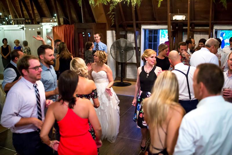 Garrett & Lisa Wedding (716).jpg