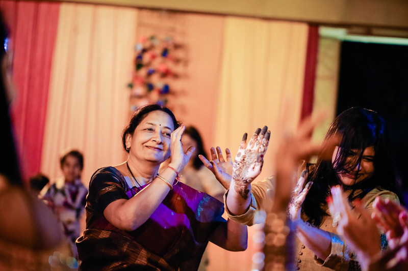 Candid Wedding Photographer Ahmedabad-1-22.jpg