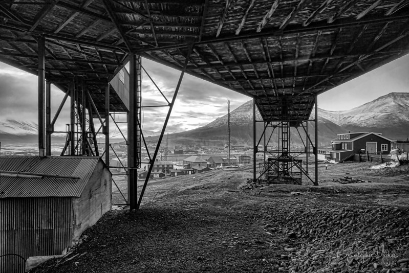 8-28-16169590 Lonegyearbyen Svalbard.jpg
