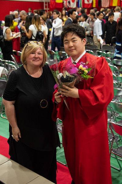 Senior -Graduation-YIS_3280-2018-19.jpg