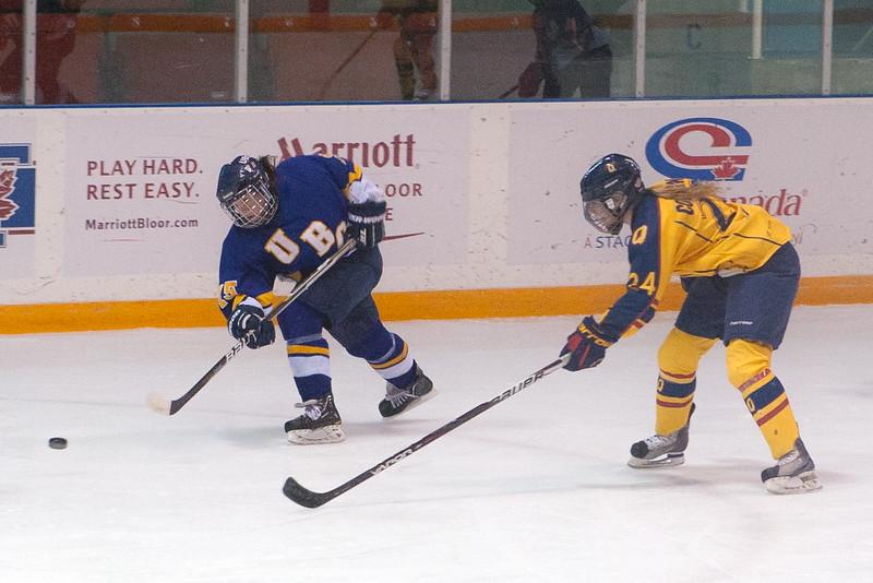 20130310 QWHockeyvsUBC 275.jpg