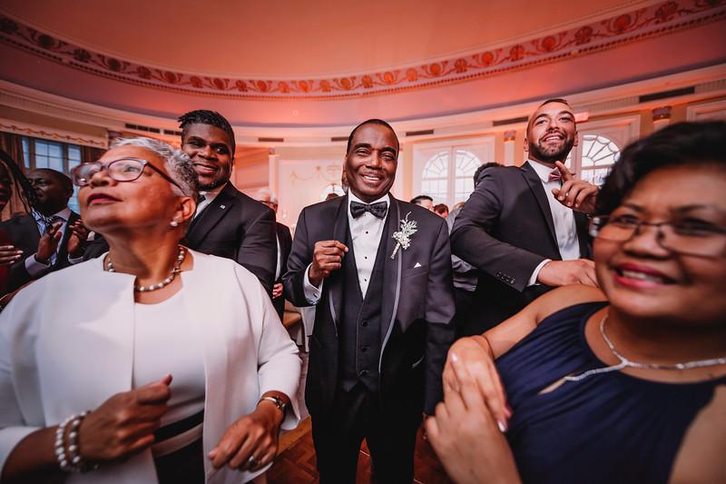 Montreal Wedding Photographer | Wedding Photography + Videography | Ritz Carlton Montreal | Lindsay Muciy Photography Video |2018_803.jpg