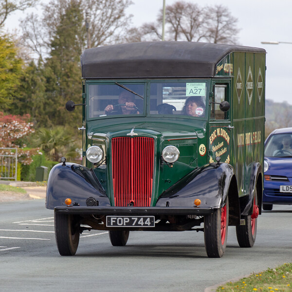 FOP744 1945 Morris C Type
