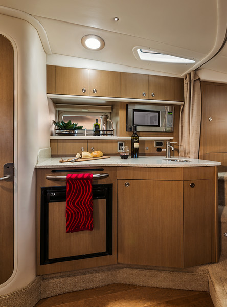 2015-SeaRay-330SD-Galley.jpg