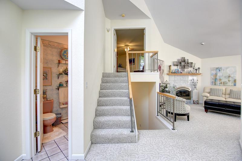 Stairs to Master Bedroom.jpg