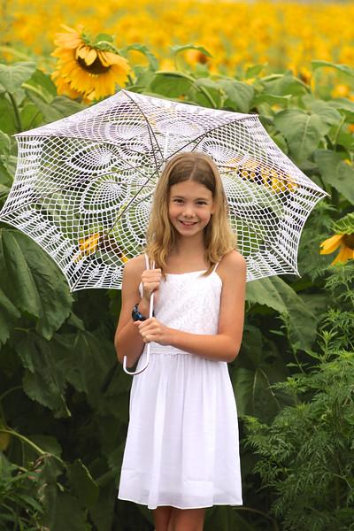 FamilySunflowers_ 110.jpg