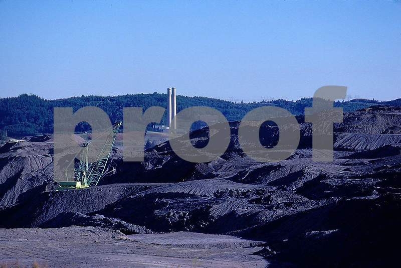 Centralia Steam Electric Plant:The TransAlta (Canadian owned) plant emits 10% of the state's greenhouse gas-emissions. It ranks 125th in the nation for mercury pollution. It emits 10.5 million tons of CO2 annually.