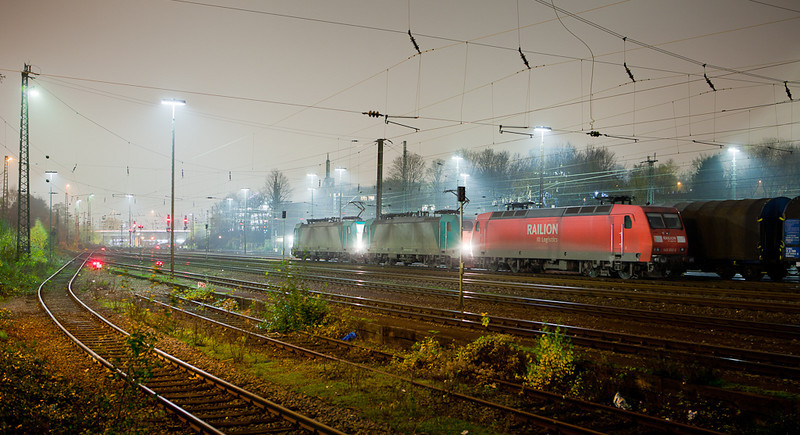 145 002 and two class 28s await the call to duty in Aachen-West.
