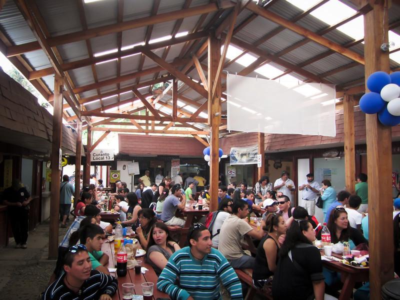 Valdivia 201201 Niebla Feria (52).jpg