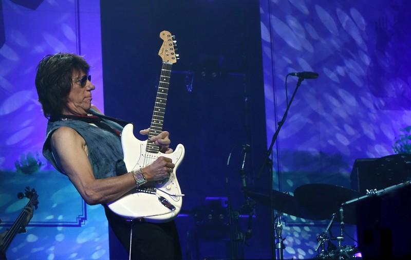 Jeff Beck Bluesfestival Grolloo 08-06-18 (5).jpg