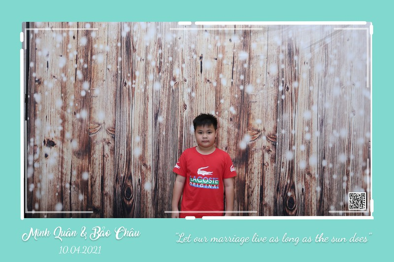 QC-wedding-instant-print-photobooth-Chup-hinh-lay-lien-in-anh-lay-ngay-Tiec-cuoi-WefieBox-Photobooth-Vietnam-cho-thue-photo-booth-006.jpg