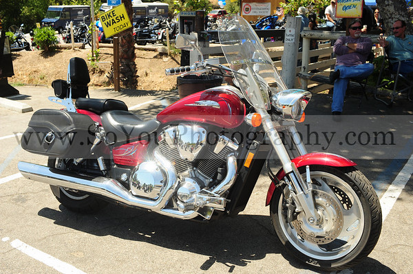 2010-06-19, 2nd Annual Katelynn Stinnett National Memorial Ride at Cook's Corner. Two photographers, see entire file to see all your pictures.