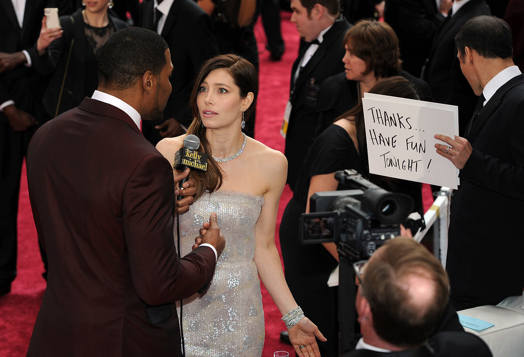 . Michael Strahan and Jessica Biel during the 86th Academy Awards at the Dolby Theatre in Hollywood, California on Sunday March 2, 2014 (Photo by John McCoy / Los Angeles Daily News)