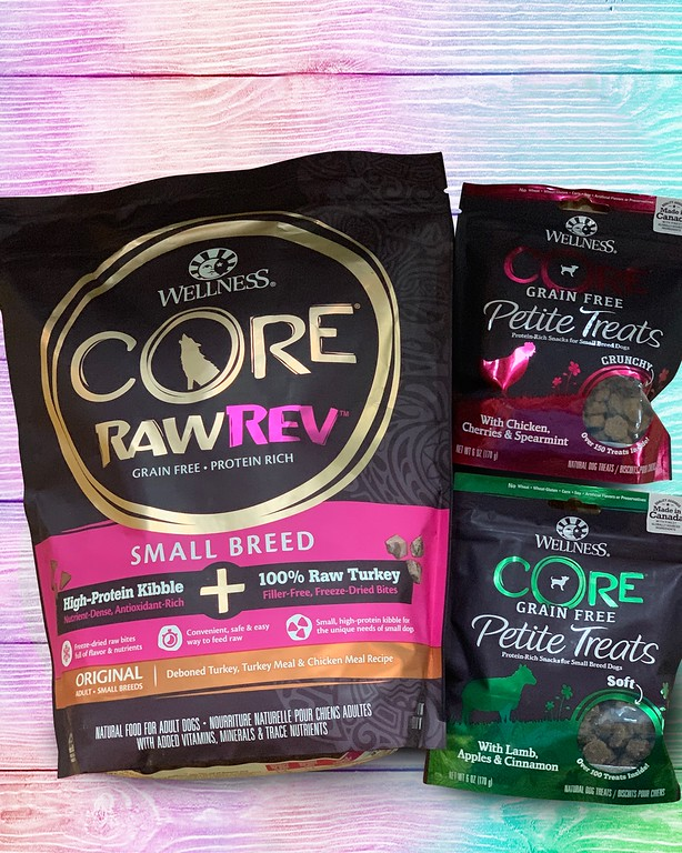 Wellness CORE Small Breed dry, wet and treats provide all the nutrients small dog breeds needs to live healthy and happy lives! #ad #WellnessCORESmallBreed