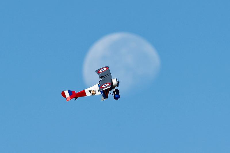 Electrifly_Nieuport17_Moon_55.jpg