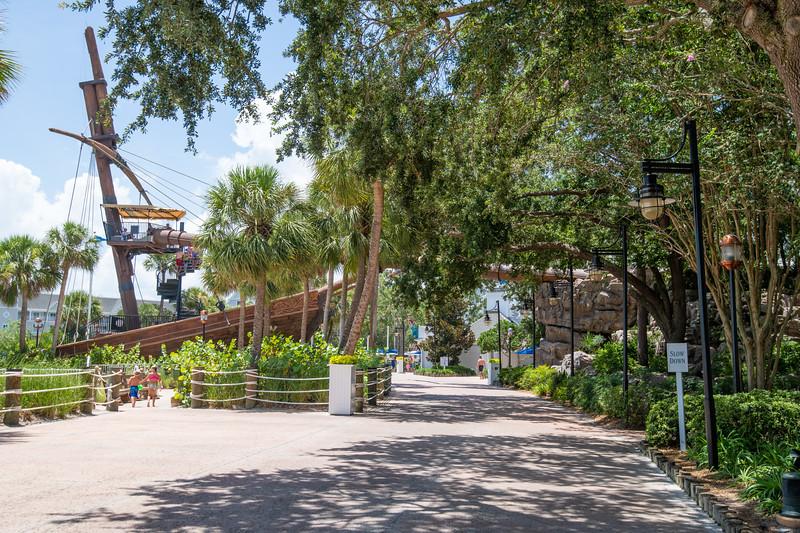Dinsey Resorts-2-370.jpg