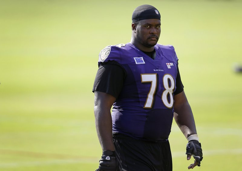 """. <p><b> Former Viking and �Love Boat� captain Bryant McKinnie�s latest classy party turned ugly Sunday night when teammate Jacoby Jones reportedly had a champagne bottle smashed over his head by a stripper named � </b> <p> A. Sweet Pea  <p> B. Olive Oyl  <p> C. Popeye  <p><b><a href=\'http://www.tmz.com/2013/09/23/baltimore-ravins-jacoby-jones-party-bus-brawl-fight-washington-dc/\' target=\""""_blank\"""">HUH?</a></b> <p>   . (AP Photo/Patrick Semansky)"""
