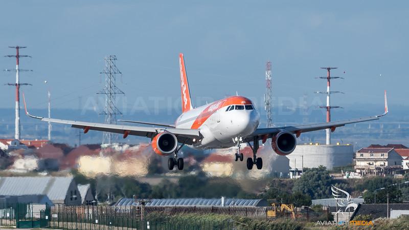 EasyJet / Airbus A320-214 / OE-IJX