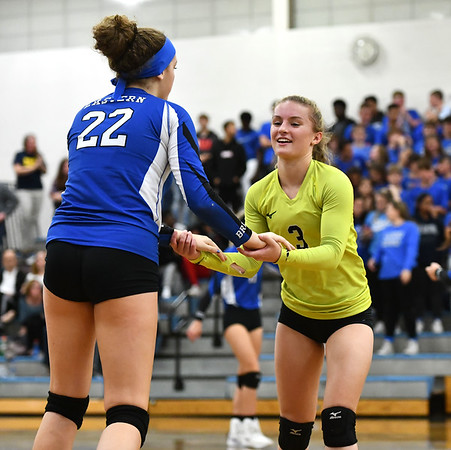 10/23/2019 Mike Orazzi | StaffrBristol Eastern's Hannah Webber (22) and Rebecca Bender (3) against RHAM during girls volleyball at Bristol Eastern on Wednesday night. rr