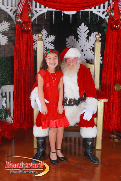 Santa 12-10-16-257.jpg