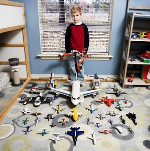 01 Kids and toys around the globe