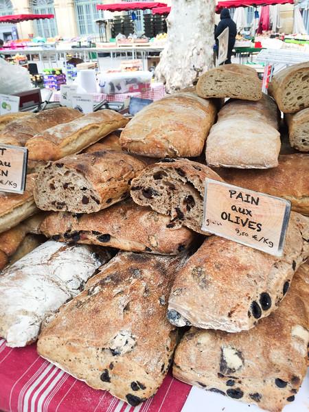 aix en provence market bread 2.jpg