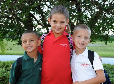 2009-08-24 - First day of school - kindergarten and third grade