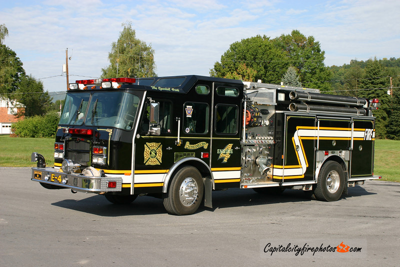 Highland Park Fire Co. (Derry Township) X-Engine 4: 2002 E-One 1500/750