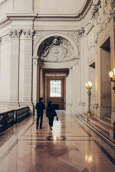 AlikGriffin_FujiX100T_San_Francisco_City_Hall_Walking.jpg