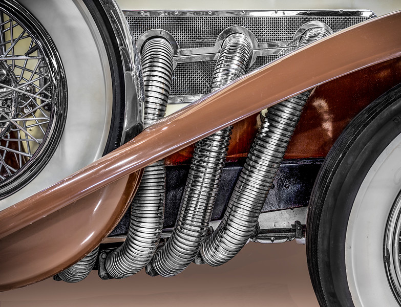 Exhaust headers of 1933 Duesenberg Model SJ.