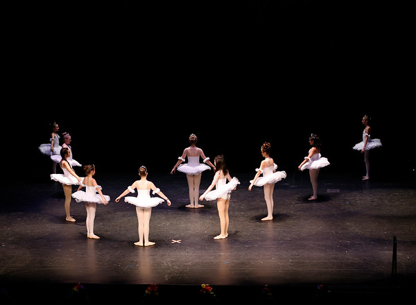 White Christmas (Beginner Ballet)