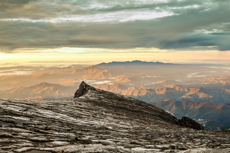 Puncak Seringgit, The South Peak (3922 m), Mount Kinabalu, Borneo