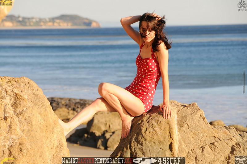 matador swimsuit malibu model 714..00....jpg