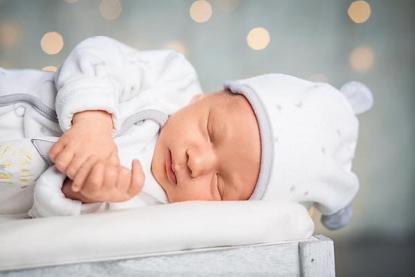 Baby/ Newborn