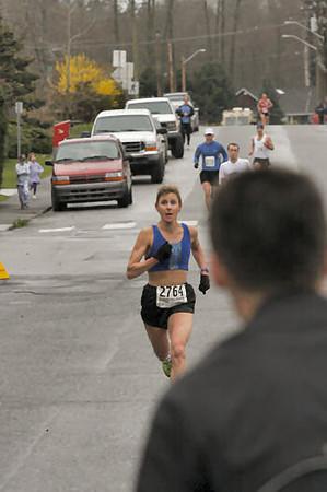 2005 Comox Valley Half Marathon - ComoxHalf2005-Al-Livsey-102.jpg