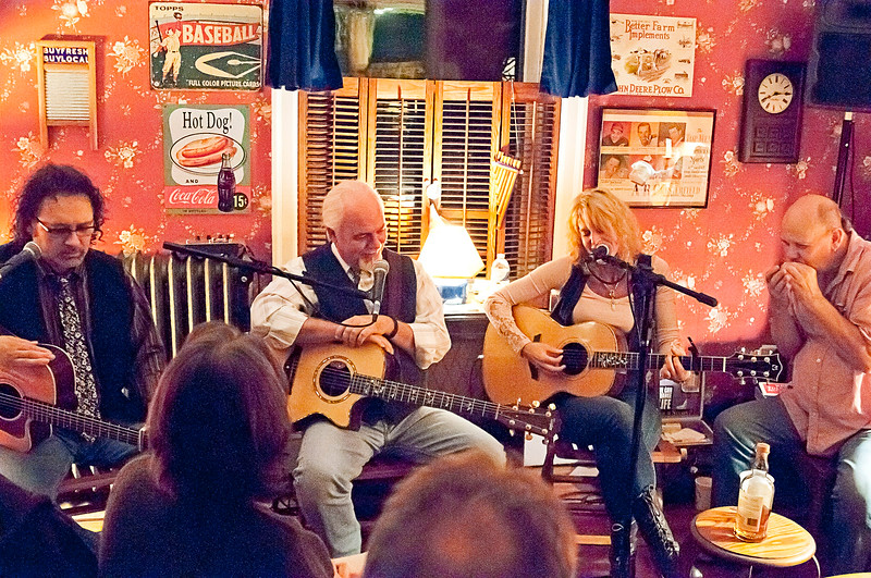 Concerts at the Beach House - Don Henry, Craig Bickhart & Lizanne Knott