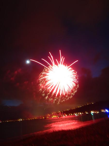 Hawaii - July 4th Fireworks-3.JPG