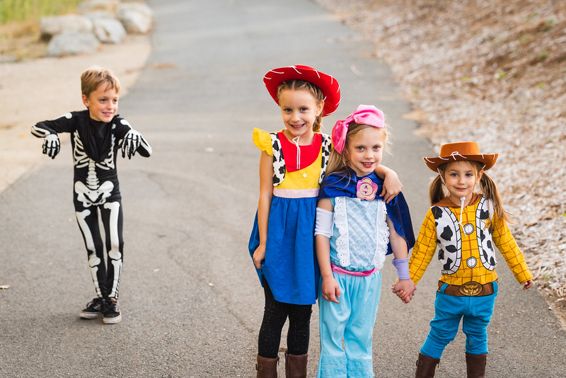 Halloween 2019 Paris Cousins-9492.jpg