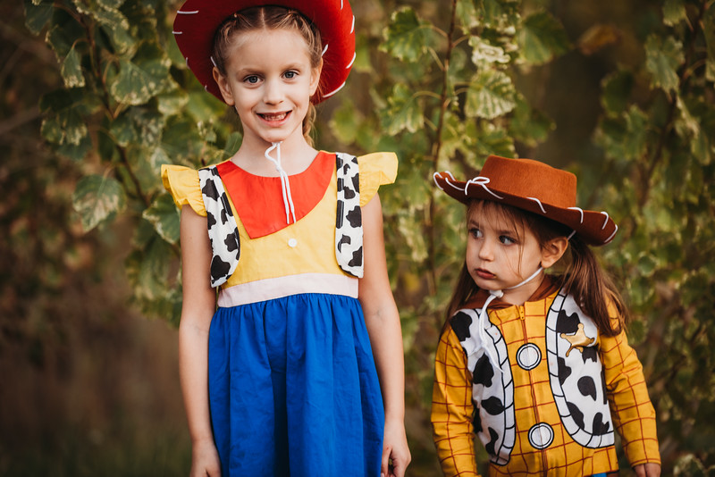 Madi and Abby Halloween 2019-9596.jpg