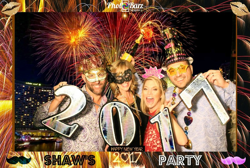 Shaws NYDay Party (89).jpg