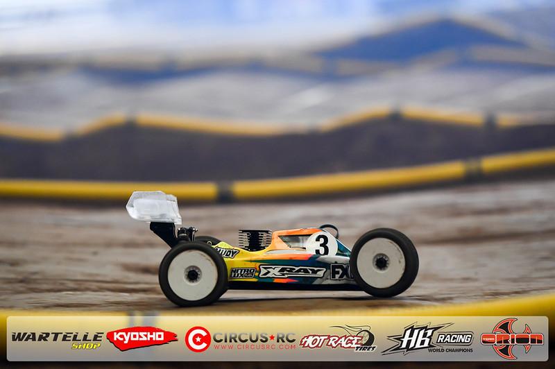neo race track pits45.jpg