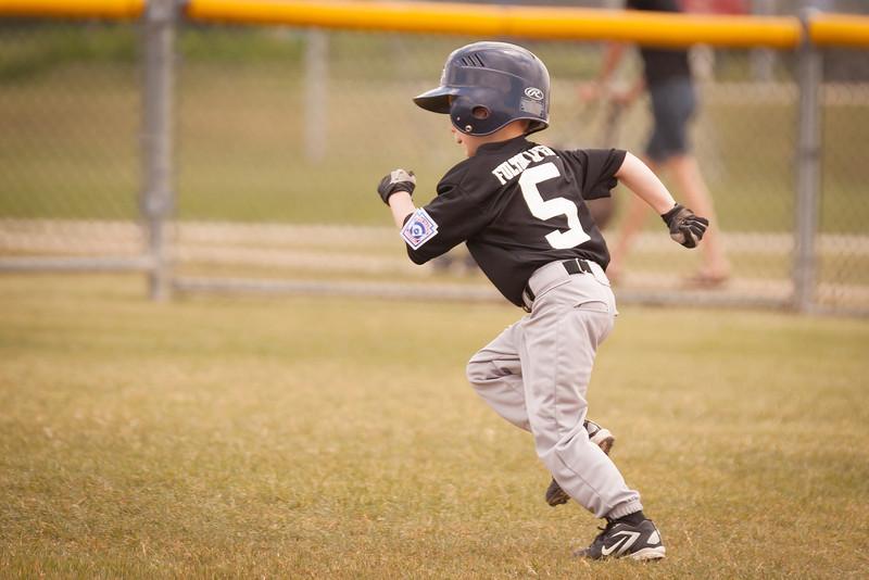 Younger Baseball-41.jpg