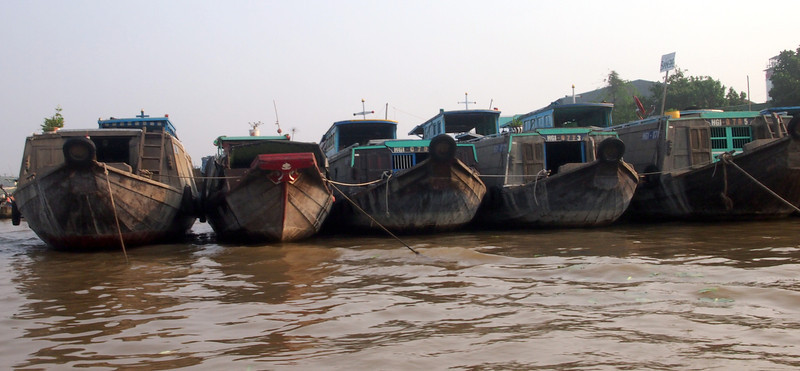 PA274730-row-of-boats.JPG