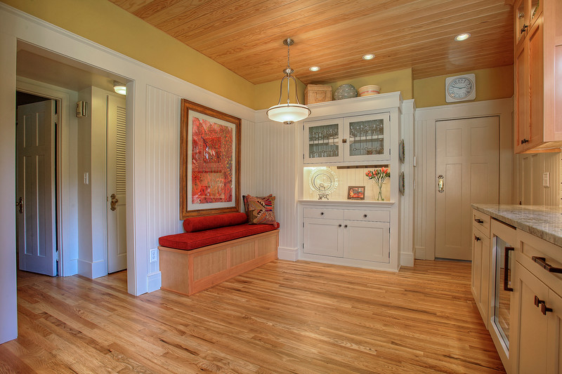 Hyland Cabinets - 4216 N. Mason