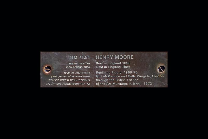 55-Henry Moore Plaque