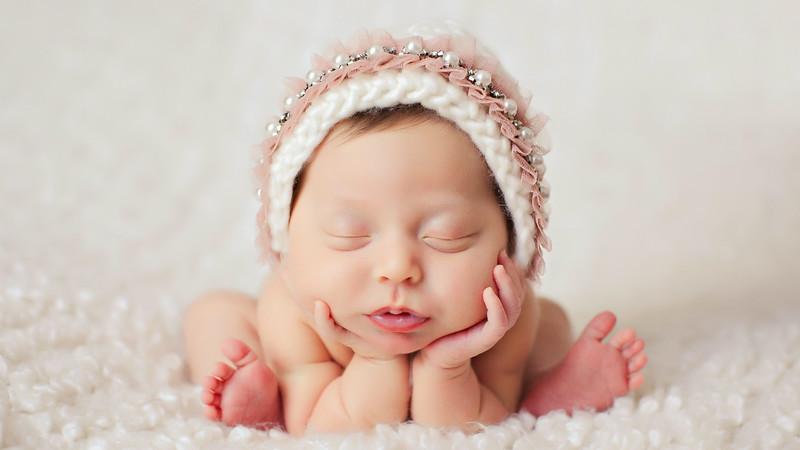 Alana Grace Newborn